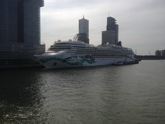Norwegian Jade (Tompouce6) Tags: holland netherlands paybas rotterdam norwegian jade cruise line shipping holiday