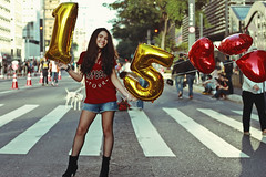 Camila (TheJennire) Tags: photography fotografia foto photo canon camera camara colours colores cores light luz young tumblr indie teen teenmodel people 50mm 15anos avenidapaulista paulista paulistaavenue girl balloons birthday happy smile fun street 2017