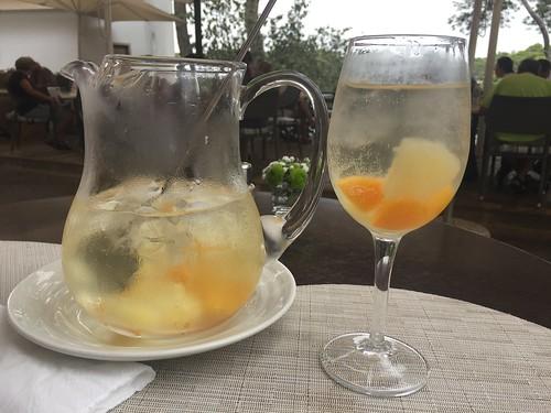 Sangría con Vino Blanco at Restaurante Es Port in Cala Figuera