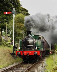 Clagging Past The Signal. (Neil Harvey 156) Tags: steam steamloco steamengine steamrailway railway 1704 nunlow damemsstation damems keighleyworthvalleyrailway kwvr worthvalleyrailway tankengine hudswellclarke semaphoresignal
