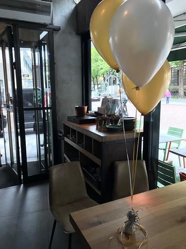 Tafeldecoratie 3ballonnen 1nul8 Rotterdam