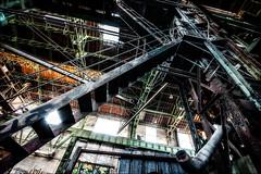 Entièrement métallique... (vedebe) Tags: couleurs urbain urbex ville city street rue usinedésaffectée escaliers architecture abandonné decay