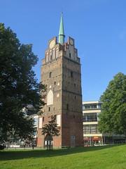 Rostock: The Kröpelin tower / Kröpeliner Tor (Sokleine) Tags: rostock mecklenburgvorpommern deutschland germany allemagne baltique baltic hanse hanseatic tour turm tower tor kröpelinertor