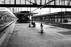 By watching the train arriving (pascalcolin1) Tags: paris13 austerlitz gare station homme man enfant child arrivée arrival train photoderue streetview urbanarte noiretblanc blackandwhite photopascalcolin