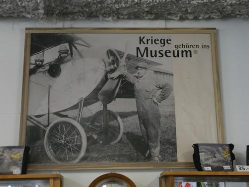 Kriege gehören ins Museum