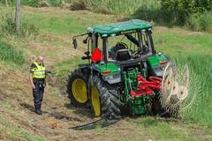 18082017-1449 (Sander Smit / Smit Fotografie) Tags: trekker ongeluk tractor n33 appingedam