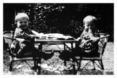 i gemelli Addo e Francesco - Vicenza maggio 1936 (dindolina) Tags: photo fotografia blackandwhite bw biancoenero monochrome monocromo family famiglia vignato italy italia vintage gemelli twins 1936 annitrenta thirty 1930s