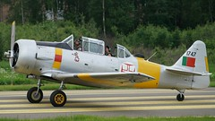 North American CCF T-6J-CCF Harvard 4 at Kjeller 2017 (J.Comstedt) Tags: kjeller show 2017 oslo norway field airport aircraft aviation airplane north american canadian car foundry ccf harvard t6 usaf 534619 germany force aa050 bf050 portuguese 1747 gbgpb air johnny comstedt