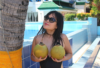I'm a very lucky girl today.  Got some fresh coconuts straight from the tree. Now my heart is beaming with glee. 😊😉