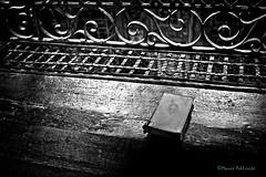 Clausura... (Mario Pellerito) Tags: canon eos 24mm 28 architettura art biancoenero blackandwhite bn centrostorico italia italie italy mario mariopellerito mistero monocromo palerme palermo pellerito pov sicilia sicilie sicily sizilien tour tourist turismo unesco viaggiare