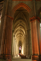 Aisle in cathedra in Amiens (MasterKrzych) Tags: ceiling gothic frenchgothic easternfrance northernfrance middleagesbuilding oldbuilding amiens cathedraamiens church amienschurch column cathédraledesamiens cathédrale