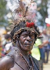 Portrait (kthustler) Tags: goroka singsing papuanewguinea tribes huliwigmen mudmen