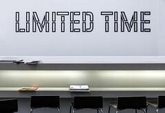 Limited Time (thewhitewolf72) Tags: wandmalerei hamburgerbahnhof lawrenceweiner berlin museumfürgegenwart friedrichchristianflickcollection catalogs reading room chairs
