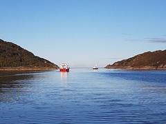 Hebrides Cruises Elizabeth G & Proud Seahorse headed West