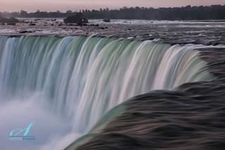 Curves Niagara Falls