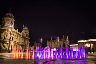 Queen Victoria Square fountains, Hull