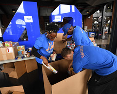 "20170920.Hurricane Relief with The Mets • <a style=""font-size:0.8em;"" href=""http://www.flickr.com/photos/129440993@N08/37352945085/"" target=""_blank"">View on Flickr</a>"