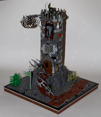 AH62_9110 (der_andyrandy) Tags: lego moc warhammer orks watchtower canoneos7d