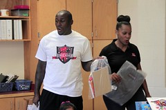 "thomas-davis-defending-dreams-foundation-leadership-academy-billingsville-0079 • <a style=""font-size:0.8em;"" href=""http://www.flickr.com/photos/158886553@N02/36370917503/"" target=""_blank"">View on Flickr</a>"