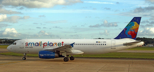 Small Planet / Airbus A320-232 / LY-SPD