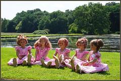 Kindergartenkinder ... (Kindergartenkinder) Tags: isselburg schlossanholt annemoni tivi milina sanrike dolls himstedt annette park kindergartenkinder sommer wasserburg margie