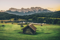 Good Morning Bavaria - Part II (der_peste) Tags: mountains alps hut lake mountainlake geroldsee garmisch garmischpartenkirchen meadow trees forest germany bavaria bayern alpen berge alpenglühen alpglow sunset sunrise sonnenaufgang wagenbrüchsee karwendel