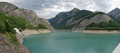 Lac du Chambon vu depuis le barrage (Livith Muse) Tags: lac eau montagne nuage cascade arbre panorama mizoën rhônealpes france fra panasonic20mmf17ii lumixg20f17ii 20mm panasonic lumix gx7 mirrorless μ43 micro43 2017