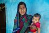 PATTADAKALL : TOUJOURS EN BLEU (pierre.arnoldi) Tags: inde india pattadakall karnataka canon tamron pierrearnoldi photographequébécois portraitdefemme photoderue photooriginale photocouleur