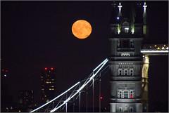 Moon Rising (Mabacam) Tags: 2017 london night moon fullmoon towerbridge