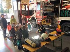 Montessori Kindergarten besucht die Feuerwehr