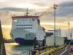 The Bilbao comes into Portsmouth in 2002 (philbarnes4) Tags: po ferry portsmouth bilbao mooring jetty arriving arrival hampshire england sonycybershot philbarnes princessanastasia