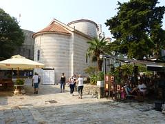 Église de la Sainte-Trinité (Raymonde Contensous) Tags: églisedelasaintetrinité eglises cafés places architecture monténégro crnagora budva
