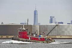 r_170921274_beat0057_a (Mitch Waxman) Tags: killvankull newyorkcity newyorkharbor statenisland tugboat newyork