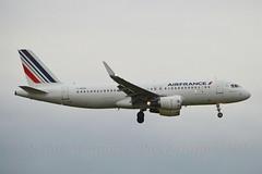 Air France F-HEPG Airbus A320-214 Sharklets cn/5802 @ Kaagbaan EHAM / AMS 12-10-2016 (Nabil Molinari Photography) Tags: air france fhepg airbus a320214 sharklets cn5802 kaagbaan eham ams 12102016