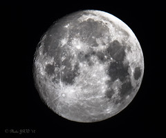 Moon 6th August 2017 Waxing Gibbous 99% Illuminated (John R Woodward Photography) Tags: moon waxing gibbous night sky canon canondslr canoneos canon5dmarkiv