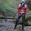 Hurricane-rot-Bach3497 (Kanalgummi) Tags: rubber waders watstiefel leather jacket pants lederjacke lederjeans camo