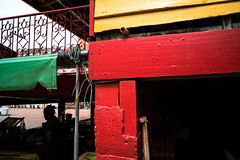 * (Sakulchai Sikitikul) Tags: street snap streetphotography songkhla sony a7s voigtlander thailand silhouette 28mm ก๋วยเตี๋ยวใต้โรงงิ้ว