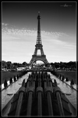 Eiffel Tower (pix2loz) Tags: blackwhite bw paris tour eiffel tower blackandwhite noiretblanc noirblanc street monochrome canons peace