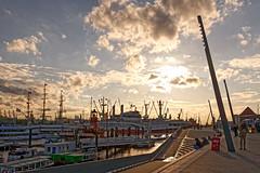 Hamburg Hafen (karlheinz klingbeil) Tags: hamburg city stadt hdr gegenlicht
