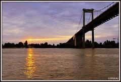 Soleil couchant sur la Garonne (Les photos de LN) Tags: fleuve garonne estuaire soleilcouchant sunset pontaquitaine bordeaux portdelalune aquitaine gironde sudouest nature paysage