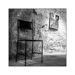 Les chaises (jldum) Tags: chaise bw noiretblanc noir black blanc white blackandwhite blackwhite art artist artistic abstract abstrait