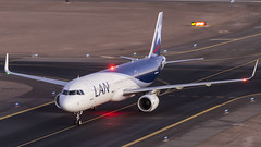 Airbus A321-211SL / LATAM Chile / CC-BEF (Vicente Quezada Duran) Tags: airbus a321211sl latam chile ccbef sccf calama special spotter spotting picture photography plane private visit visita avgeek aviación aviation aviacion