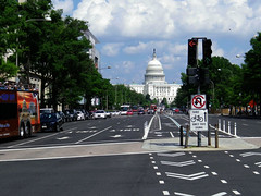 DC Streets Traffic 2017 0809 (CanadaGood) Tags: usa america dc washington districtofcolumbia afternoon building traffic capitol sign 2017 thisdecade canadagood colour color white green tree pavement text architecture