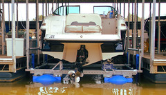 HydroHoist 8800 Boat Lift