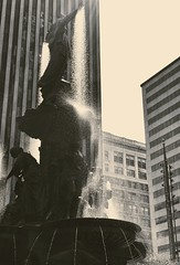 Fountain Square (Jamie Smed) Tags: iphoneedit jamiesmed snapseed 2017 cincinnati ohio queencity iphoneography phoneography mobileography iphonephoto iphoneonly mobilephotography mobilephoto blackandwhite blackwhite bw photography vsco iphone7plus summer august hamiltoncounty handyphoto downtown city street fountainsquare shotoniphone