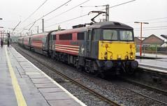 87015 'Howard of Effingham' runs into Warrington Bank Quay Station on 17-7-03. Copyright Ian Cuthbertson (I C railway photo's) Tags: class87 87015 virgin warringtonbankquay howardofeffingham