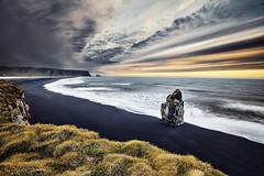 Vik Islande (EtienneR68) Tags: landscape bleu blue eau mer montagne mountain nature paysage vik sea water sunrise marque a7r2 a7rii sony