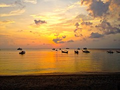 Sairee Beach, Ko Tao Sunset (JeffGuth) Tags: thailand thai ko koh kotao oohtao tao saireebeach sairee beach island water southeastasia seasia chumphon bigblue gulf gulfofthailand