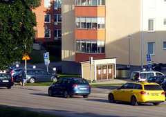 Joyful Morning (Linnea from Sweden) Tags: ed nikon g vr afs 456 55200mm d7000 road street city house color colour building car morning