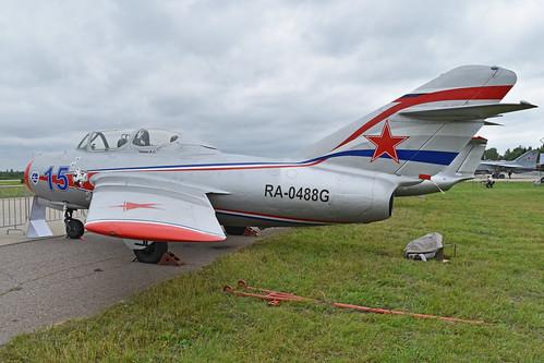 Mikoyan-Gurevich MiG-15UTI 'RA-0488G / 15 blue'